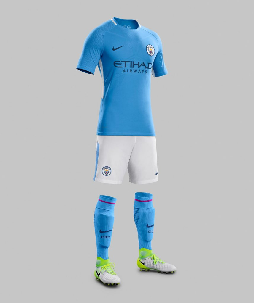 Manchester City, il kit 2017-2018