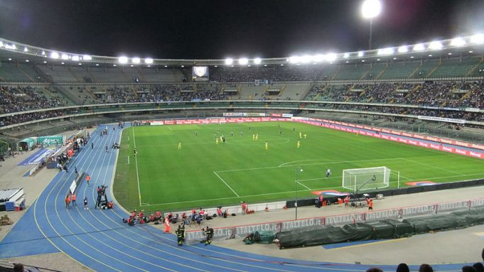 Lo Stadio Bentegodi di Verona (foto: El passs on the Italian Wikipedia)