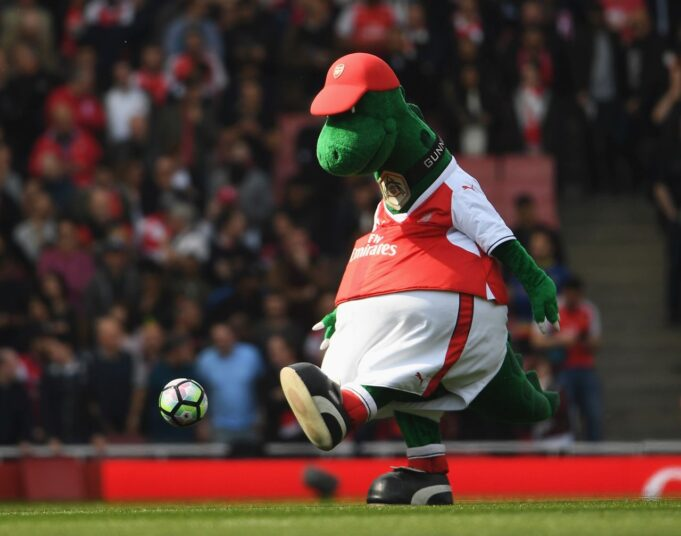 arsenal mascotte ritorno Emirates Stadium